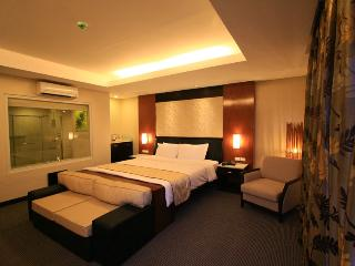 Elegant Suite in Coron!