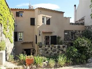 Chambre hôte  Maison Rougier Evenos médiéval, Le Beausset