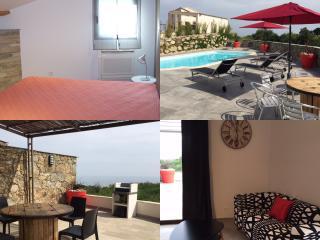 Villa de luxe mitoyenne T2 clim, piscine, wifi