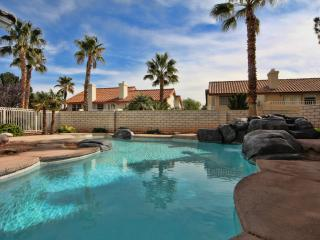 Luxury 4500 Sq Foot EXUCUTIVE Home-heated Pool/Spa
