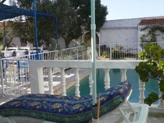 Villa bleue piscine privé  jardin  fleuri Oualidia