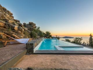 Ecofriendly villa with pool and panoramic sea view, Elounda