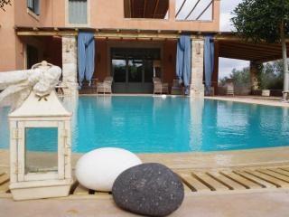 Vouliagmeni Villa with private pool