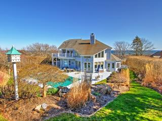 Immaculate 6BR Montauk House w/Wifi, Private Outdoor Pool, Stunning Fireplace & Marvelous Ocean Views! Unbeatable Location - Near All Hamptons Attractions! Walk to the Beach!