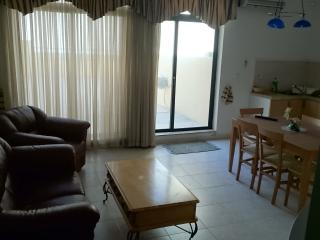 Very Spacious 2 Double Bedroom Sliema Seafront Apa