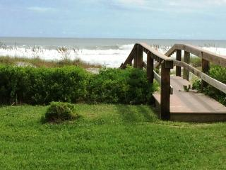 Walk out to beach, New listing!, Cocoa Beach
