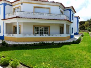 Luxury 3 Bedroom Apartment in Praia D'el Rey, Caldas da Rainha