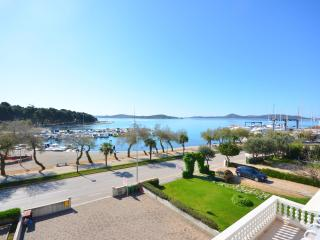 Apartment and Rooms Vinko - 22651-A1, Vodice