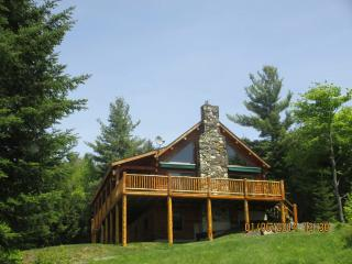 NEW LISTING! LOG CABIN ON 14  ACRES/MTN VIEWS, Franconia