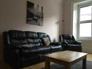 2 Double Bedroom Apartment Edinburgh