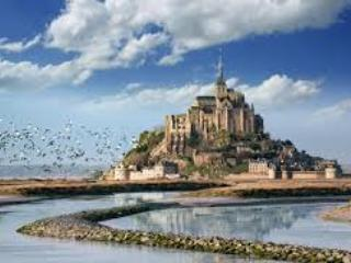 Mon St Michel is approx 1 hour from the house