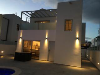 Brand new 8 person House/Villa in the heart of PDC., Puerto Del Carmen