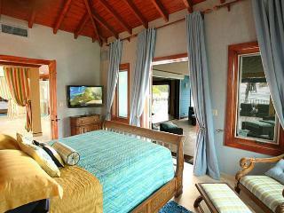 Tropical Breeze, Antigua en Barbuda