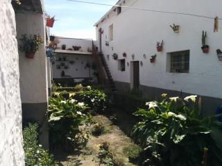Cortijo con jardín privado, Adra
