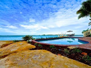 Waterfront Masterpiece - Key West - Ocean Access!, Cayo Hueso (Key West)