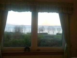 SEASIDE FLAT summer/winter-the lounge view changes, Dysart