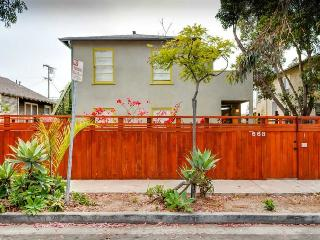 (#246)Charming 3br/2ba, 2 blocks from Abbot Kinney