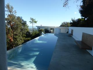Magnificent contemporary villa in the Esterel Massif, Frejus