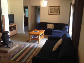 Acacia Rise Holiday House Sandy Point. FREE WIFI.