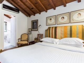 onefinestay - Via di San Francesco di Sales apartment, Roma