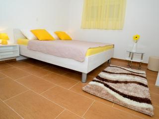TH01300 Apartments Begonja / Three Bedrooms A1, Privlaka