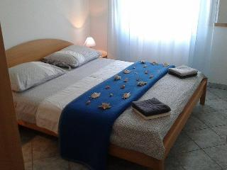 TH01305 Apartments Marko / Two Bedrooms Plavi, Seline