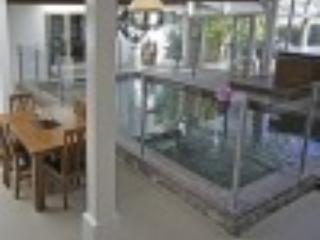 Coolum Retreat, Pet Friendly Holiday House, Marcoola