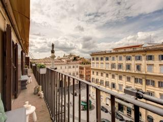 Spanish Steps Penthouse II apartment in Piazza di Spagna South with WiFi