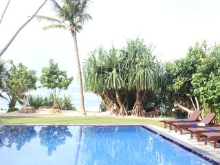 South Point Ocean - 7 bedroom luxury family beach villa with pool, fully staffed
