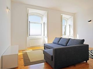Cais Santarem apartment in Alfama with private terrace.