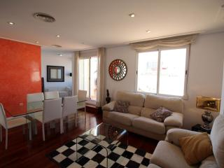 Spacious Eagle apartment in El Carmen with WiFi, airconditioning, privéterras