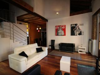 Spacious Merced apartment in El Carmen with WiFi, airconditioning, balkon