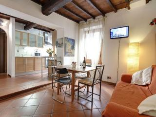 Novella apartment in Santa Maria Novella with WiFi & airconditioning.
