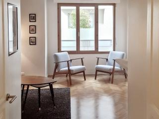 Well-located apartment with parking, París