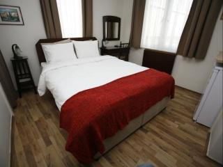 Opera III apartment in Beyoğlu with WiFi, airconditioning & lift.