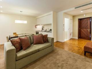 Elegance 1.2 apartment in São Nicolau with WiFi, air conditioning & balcony.