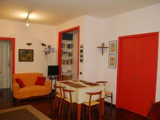 San Damaso apartment in San Pietro with WiFi, integrated air conditioning & jacu