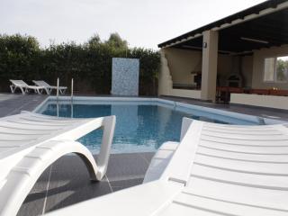 Villa De Calme, Pastida
