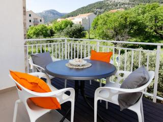 Adria 8-peaceful and charming 2-bedroom apartment-10-minute walk from the center