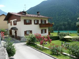 HOLIDAY APARTMENTS in AURONZO DI CADORE - ITALY, Auronzo di Cadore