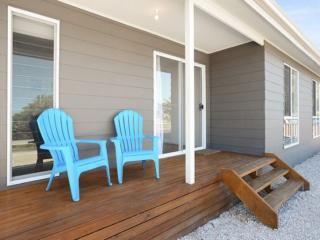 SA Holiday House:  'Dunes Views' on Simpson - Goolwa South