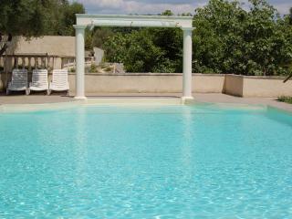 Gîte de charme tout confort avec piscine, Uzes
