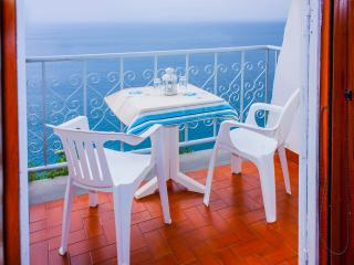 AMAZING CASTEL APARTMENT, Vico Equense