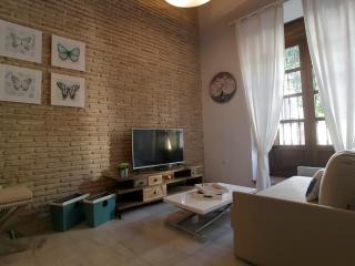 COOL BOOKING SEVILLA TRIANA 1