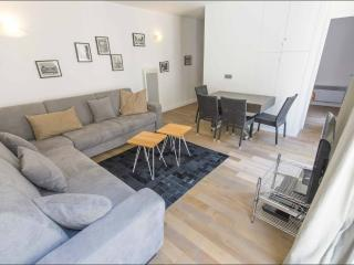 Face à l'Art, 2BR/2BA, 6 people