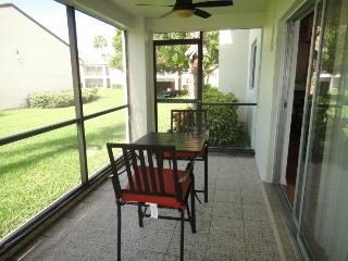 5801 N Atlantic Ave #111 Cape Canaveral :: Cape Canaveral Vacation Rental