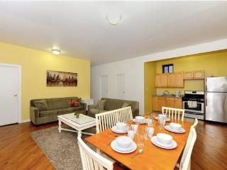 Manhattan 3BR/2BA for 8 -Great Location to Explore, New York City