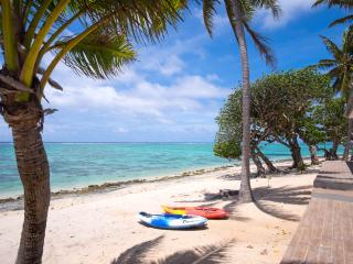 Out of the Blue Fiji - Spacious Beachfront home 20m's from the waters edge