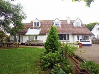 CROYDE CHESTNUT HOUSE | 6 Bedrooms, Croyde
