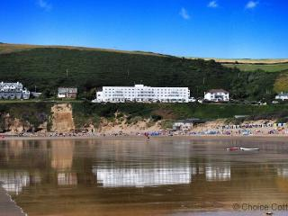 SAUNTON SANDS APPLEDORE APARTMENT | 4 Bedrooms, Saunton